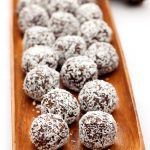 Grain-free No-Bake Gingerbread Cookie Balls {Gluten-free & Vegan}