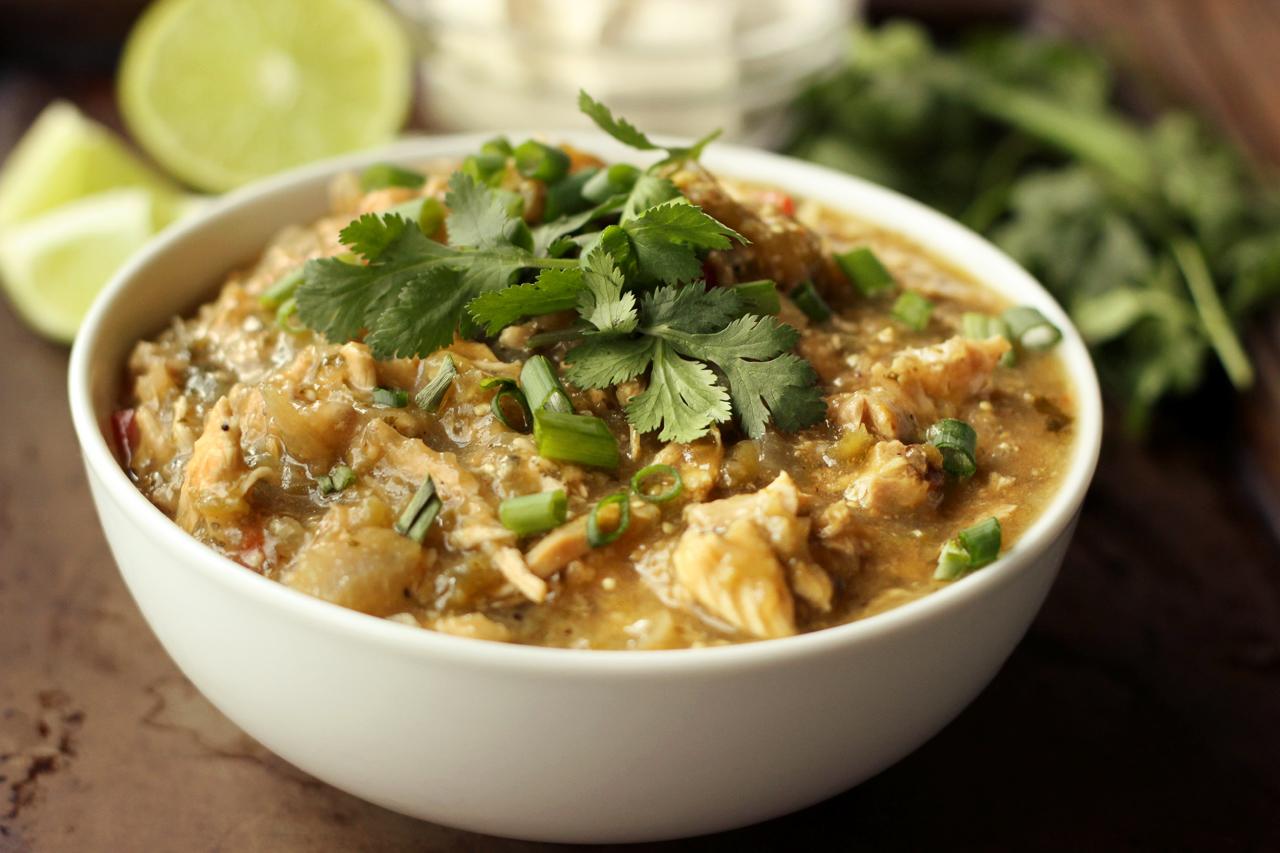 Slow Cooker Chicken Chile Verde {Gluten-free, Dairy-free} | Paleo Meal Prep